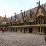 Hospic z r. 1443 v Beaune